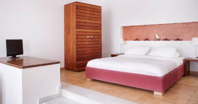 Hotel Keys – Manos Small World Hotel (13)