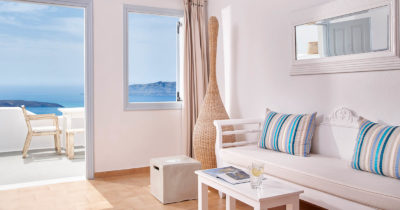 Hotel Keys – Manos Small World Hotel (2)