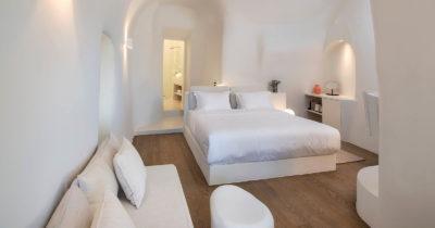 Hotel Keys – Old Castle Oia (10)