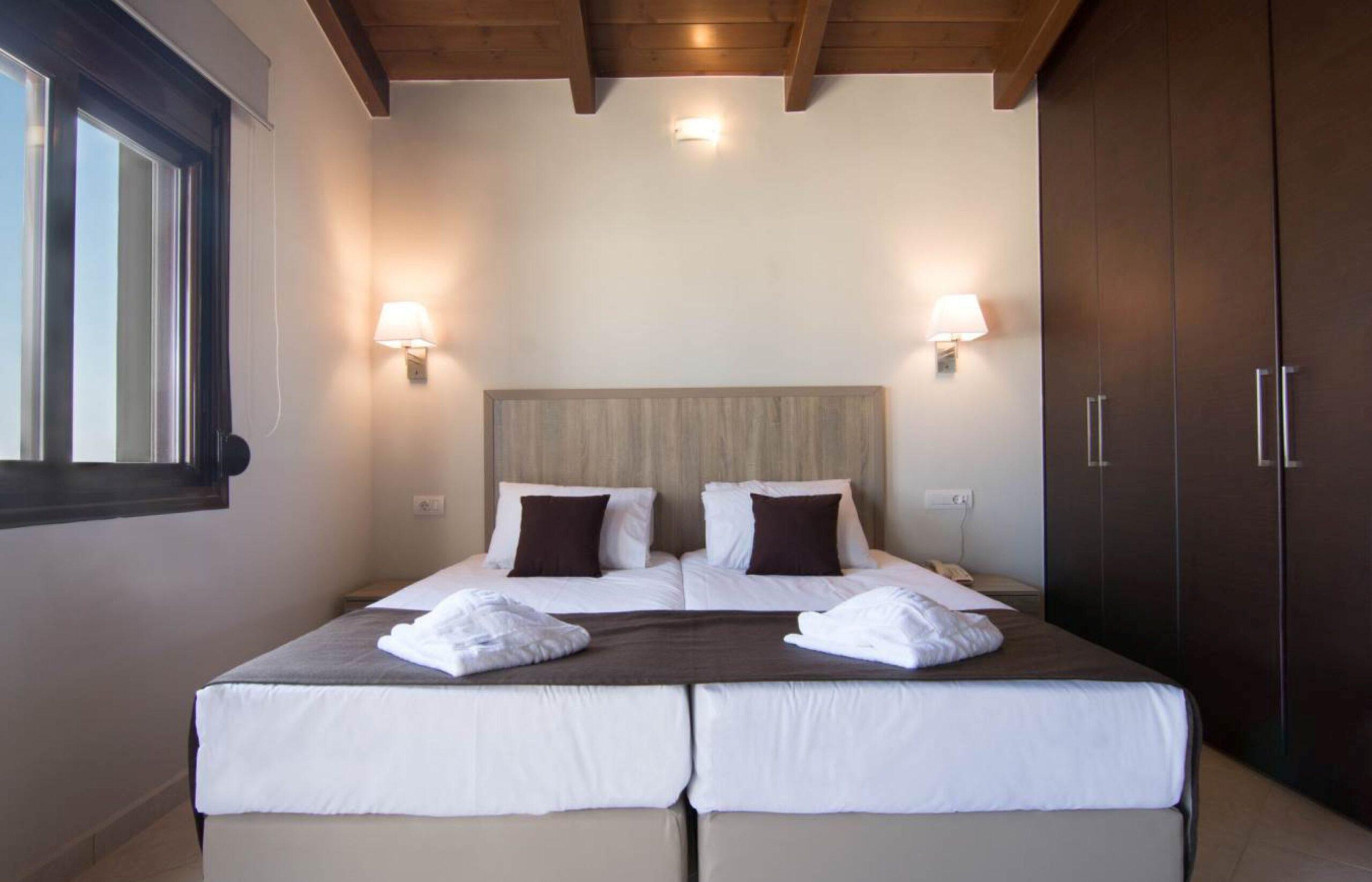 Three-Bedroom Maisonette Sea View